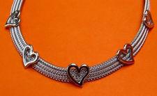 Image de «Coeur de chevrons», ensemble de collier et bracelet entièrement en argent sterling italien, chevrons plats ornés de cœurs polis