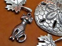 Image pour la catégorie Breloques et pendentifs en métal