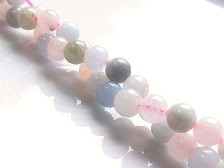 Picture of 6x6 mm, round, gemstone beads, Morganite or pink beryl, natural