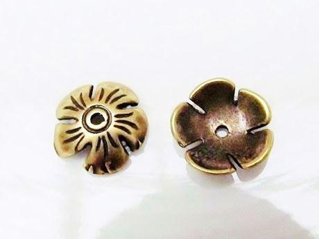 Image de 10 mm, coupelles, JBB findings, fleur, étain finition laiton, 2 pièces