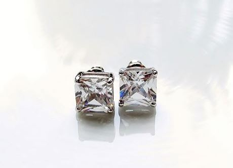 "Picture of ""Princess cut"" stud earrings, sterling silver, square cubic zirconia, 8.8 mm large"