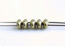 Image de 5x2.5 mm, perles SuperDuo, de verre tchèque, 2 trous, métallique saturé, limelight ou vert-jaune clair